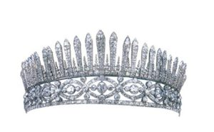 Fringe tiara